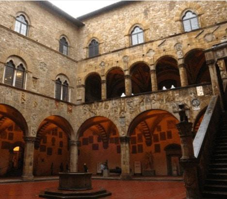 Museo-archeologico-di-Firenze-01