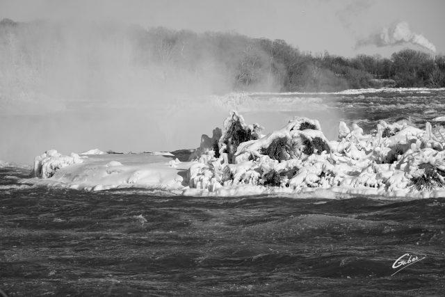 Winter Scenes, Niagara Falls, Canada, 2019  03