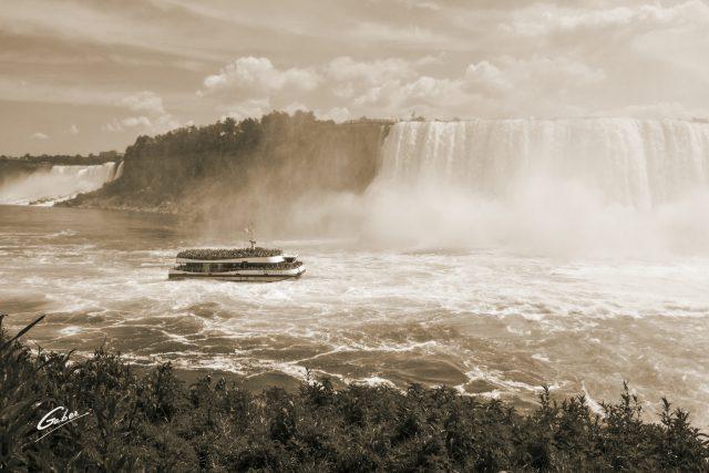Summer Scenes, Niagara Falls, Canada, 2018  02