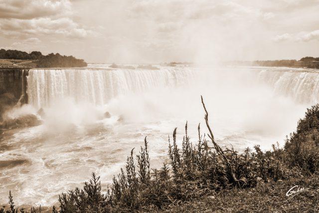 Summer Scenes, Niagara Falls, Canada, 2018  06