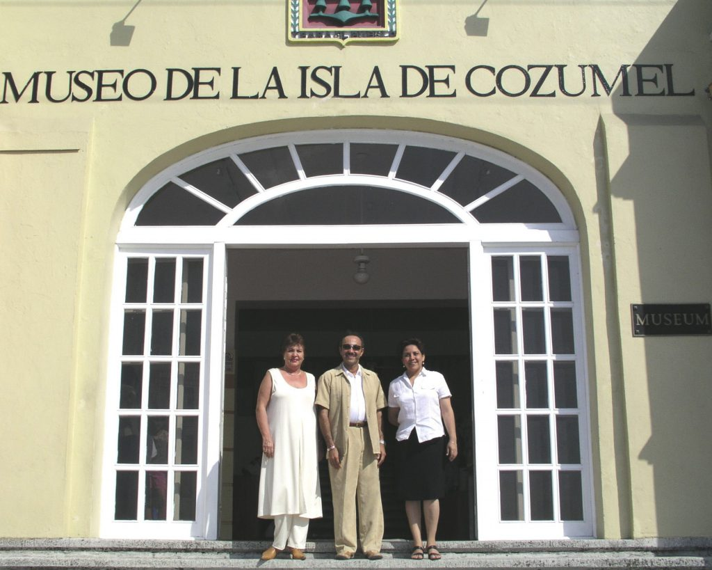 Antoine Gaber, the historian, art critic from México Prof. Matty Roca, and the Museum of Cozumel curator during the Passion for Life solo exhibition at the Museum de la Isla de Cozumel, Quintana Roo, Mexico.