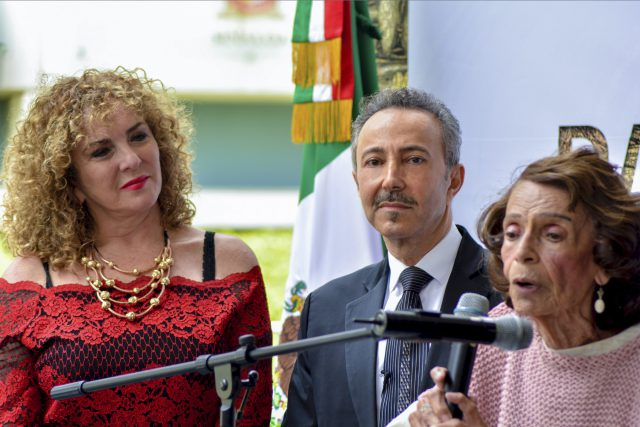 """During the Senate inauguration speeches, the most famous Historian, cultural researcher and Art Critic from Mexico Prof. Berta Taracena made the official announcement, inviting Antoine Gaber to become the first Canadian Artists ever, to join the prestigious artist group of the """"MIRADA COLOSAL""""."""