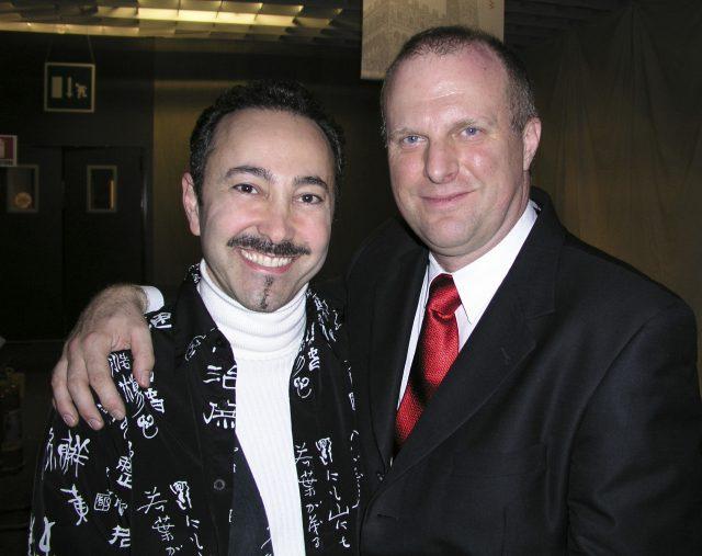 Gregorio Luke Director del Museo de Arte Latinoamericano (MOLAA), Long Beach California con el Artista Antoine Gaber.