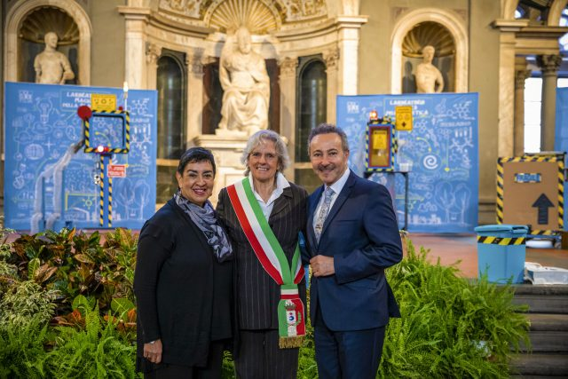 """""""Water for Life"""" Children and Adolescent Art Workshop Exhibition, at the Palazzo Vecchio, Salone Dei 500 , in Florence, Italy. Anna Ravoni, Mayor of the city of Fiesole, Antoine Gaber and Angelina Herrera during the opening of the event."""